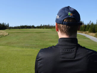 Golfers everywhere are trying to hit the links. Courses are closing soon as winter is coming.